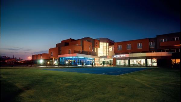 ursa-hotelteniscongressandwellnesscenter-1493979286.jpg